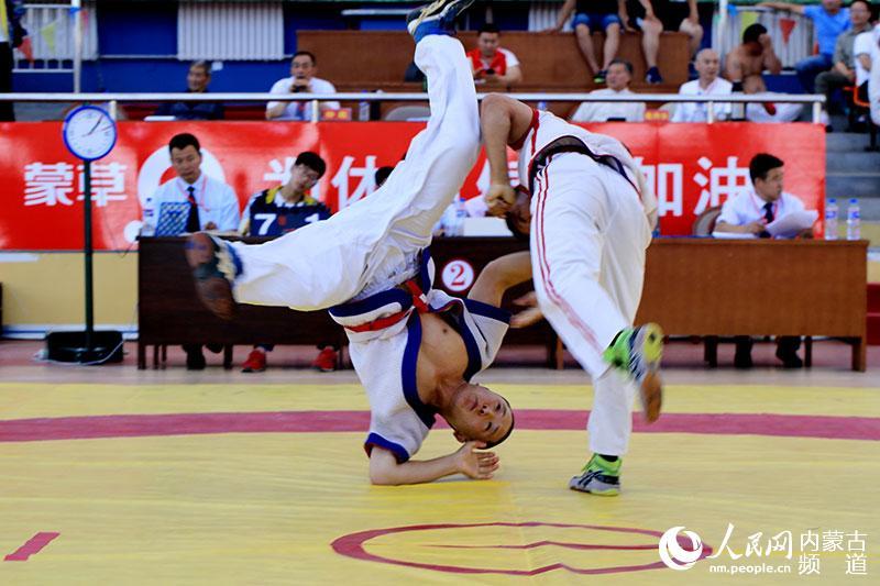 中国式摔跤 传统民族文化的瑰宝
