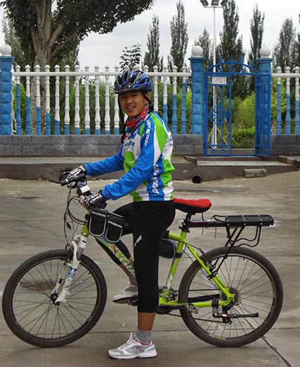 特长:打篮球,骑自行车,弹吉他,拉马头琴,画画   荣誉或奖励: 2008