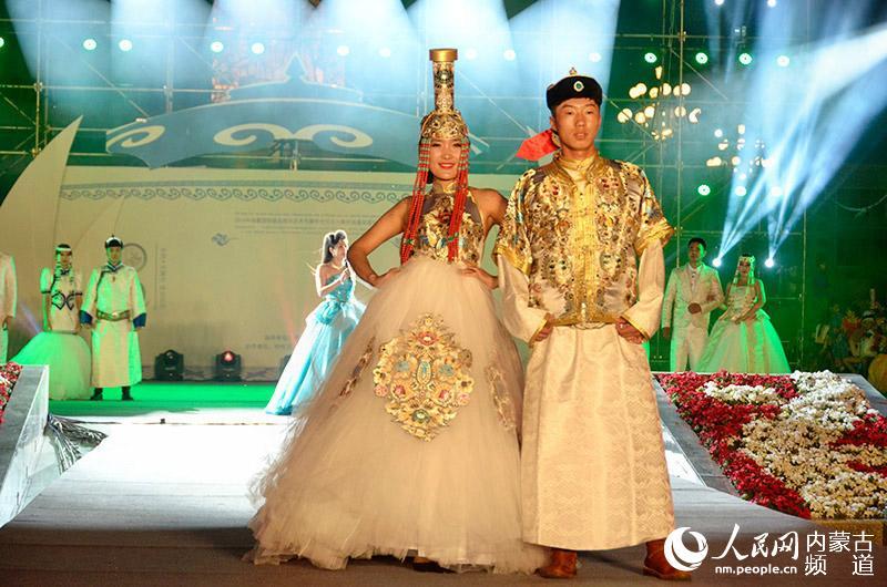 16中俄蒙国际服装服饰艺术节在呼伦贝尔圆满落幕图片