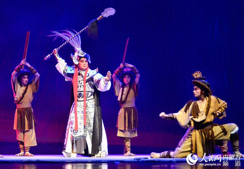全国少数民族戏剧优秀剧目粤剧《南越王》走进内蒙古