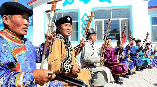 七十年,内蒙古奔腾向前
