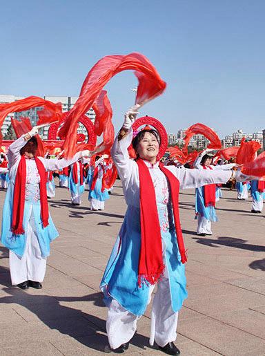 康巴什区元宵节民俗活动丰富多彩