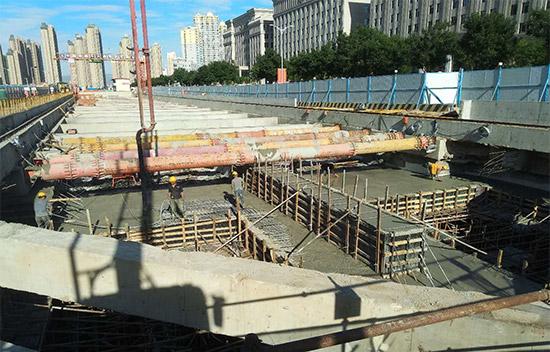 呼和浩特市轨道交通2号线一期工程顺利封顶