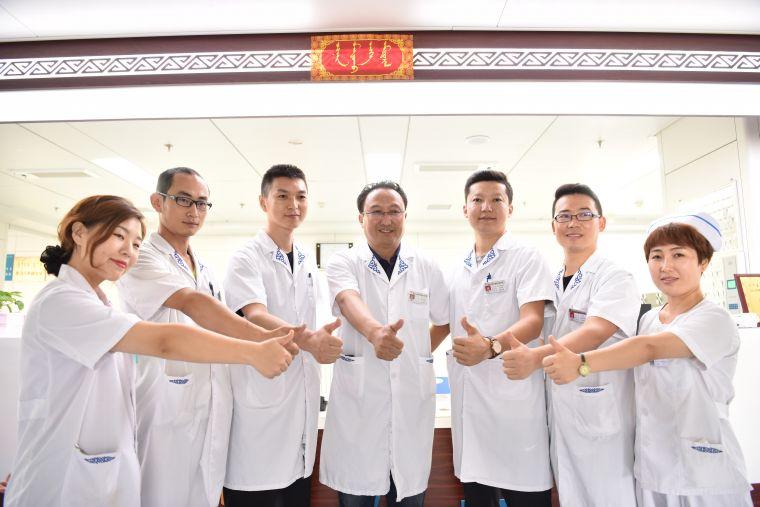 """致敬首个""""中国医师节"""" 为他们点赞"""