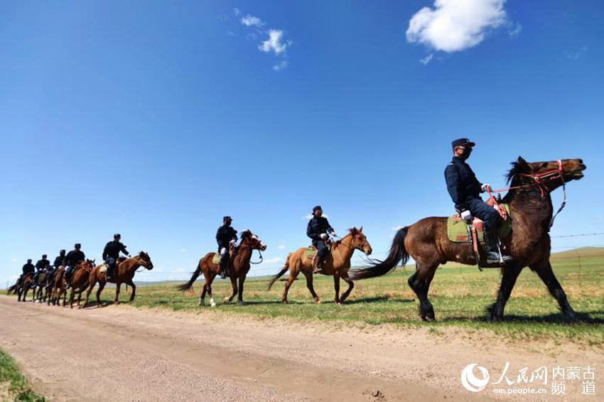 草原上的马背警队【9】