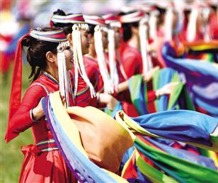 风光如诗 牧歌悠扬 锡林郭勒盟旅游资源得天独厚下定,是我国天然草原最具代表性的地区和最具魅力的传统游牧文化传承地木梳。