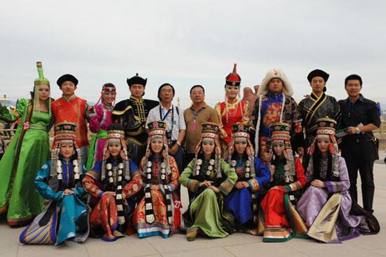 第七届中国蒙古族服装服饰艺术节图片